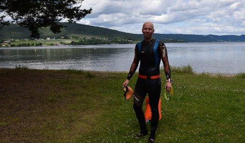 SVØMMING: Kenneth Nordseth gruer seg mest til svømmingen. Norseman starter med 3,8 kilometer i iskaldt vann.