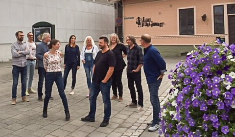 GLEDER SEG TIL OPPSTART: Personalet ved Halden kulturskole 2018/2019.