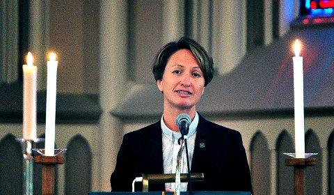 NYE TIDER: Kari Mangrud Alvsvåg er prost i Halden og Sarpsborg. Hun forteller om hvordan kirken takler koronakrisen.
