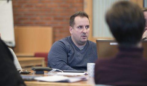 Rådmann Magnus Steigedal i Ullensvang jobbar med skulesaka.