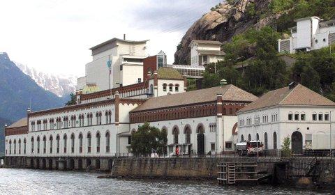 TYSSO 1: Tyssefaldene AS eig fleire bygg. Mellom anna den gamle kraftstasjonen ved fjorden i Tyssedal. Arkivfoto
