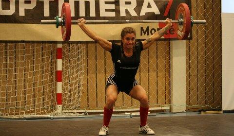 TIL TOPPS: Zekiye Nyland fra Tysvær var kun to kilo fra EM-kravet da hun i helgen ble vestlandsmester på hjemmebane.