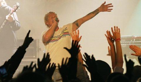 FESTIVALKLAR:  Øyvind «Vinni» Sauvik under Skudefestivalen 2012. 4. juni er han på Høvlereiet med et gjenforent Paperboys.  Arkivfoto:  Alf-Robert Sommerbakk