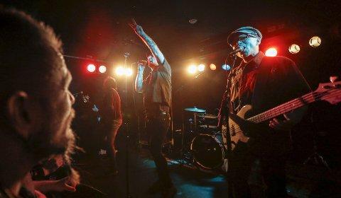 VALENTOURETTES: Bandet hyller Jokke og spiller på Flytten fredag.