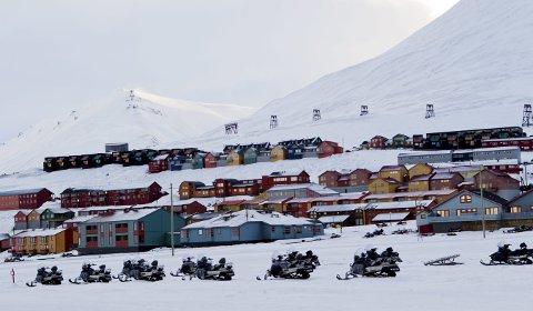 Boligområde i Longyearbyen, Svalbard.    Foto: Berit Roald / Scanpix