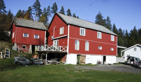 GAMLE SØRLANDSKE: Miljøgården ligger ved Gamle Sørlandske hovedvei, tilbaketrukket fra støy fra dagens E18.