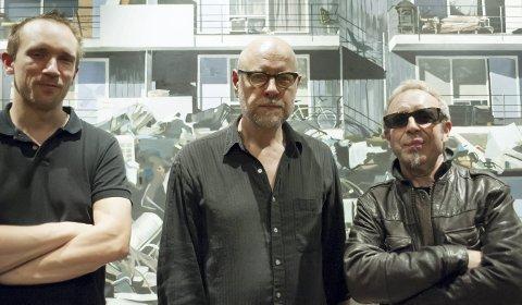 Kraftfull Musikk: Trioen Boneshaker inntar EnergiMølla fredag 8. juli.  Group photo