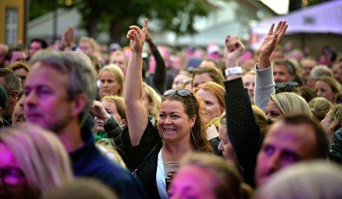 I FJOR: Stemningen var god på Kirketorget da Lauryn Hill besøkte Kongsberg jazzfestival i 2019.