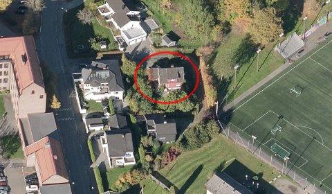 SOLGT: Nøsteveien 2 A er en av eiendommene som ble solgt i april.