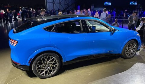 Elektrisk SUV med sporty design, ser ut til å falle i smak blant en rekke norske bilkjøpere.