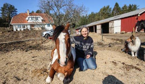 LIVET PÅ LANDET: Lucia Schanke vil gjerne utvikle Ekelund gård som hun kjøpte i fjor. Nå inviterer hun til idedugnad.
