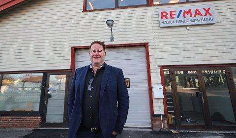 TAR GREP: Eiendomsmegler Hans Erik Engebretsen i Remax vil unngå fellesvisninger.