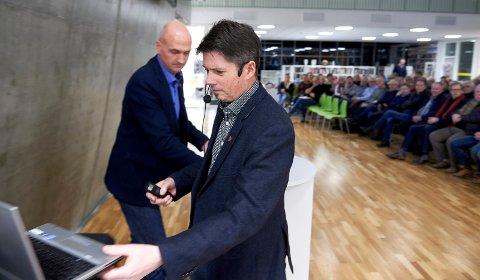 EN AV MANGE: Få kommunedirektører betaler skatt i kommunen de er sjef i. Kommunedirektør Trond Stenvik tiltrådte som kommunedirektør i Overhalla i 2004, men har betalt skatten sin til Namsos.
