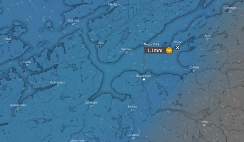 Slik er været meldt kl. 13.00 lørdag 20. februar.  Det blå feltet er nedbør.