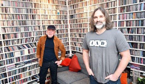 Prucel-trommis Marius Ruud og plateprodusent Christer Falck i sistnevntes svært innholdsrike CD-rom på Ljabru.