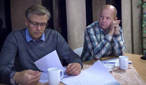 MENINGSMÅLING: Ordførerkandidat Torvild Sveen (Sp) og varaordførerkandidat Svein Håvar Korshavn (H) synes det er flere positive trekk i målingen InFact har gjort for OA.Foto: Asbjørn Risbakken