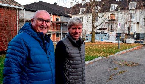 - EN GLEDENS DAG: - Dette ble en gledens dag for naturbruksutdanningen på Valle, sier avdelingsleder Åge Flægstad (t.v.) og rektor Torfinn Overn.