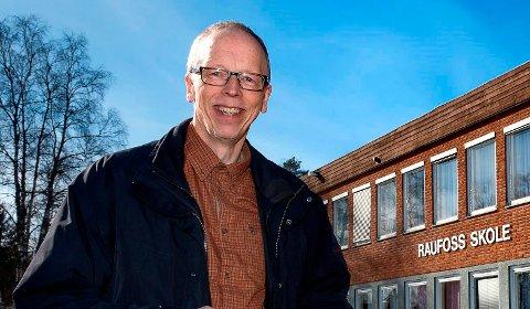 BLIR PENSJONIST: Gunnar Tofsrud går av etter mer enn 20 år som grunnskolesjef i Vestre Toten. Seks kvinner og en mann ønsker å bli hans etterfølger.