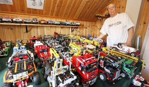 FANTASTISK: Harry Helmersen har brukt årevis på å bygge opp det som muligens er Norges største samling av Lego Technic-modeller.