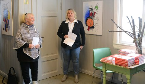 ÅPNET: – Det er god folkehelse i dette, sa kultursjef Cathrine Hagen, til høyre, da hun åpnet utstillingen.