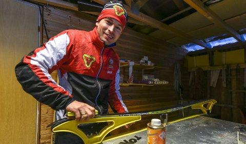 ALDRI FØR: For første gang legges det opp til et fluorfritt NM i skiskyting i yngre klasser. – Vi oppfordrer juniorene og seniorene til å gjøre det samme, sier B&Y ILs Jesper Andersen. Foto: Øyvind Bratt