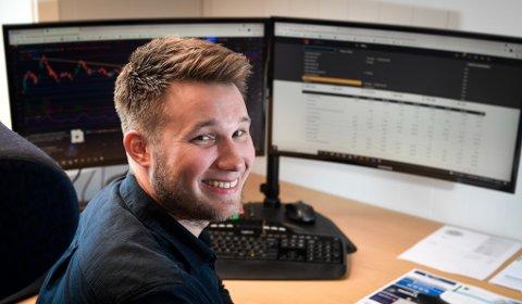 Thomas Nilssen er over gjennomsnittet glad i økonomi og tall. Nå har han etablert sin egen bedrift.