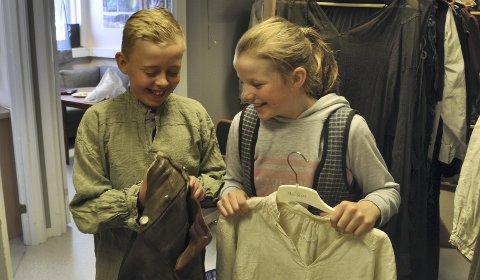 Kostyme:  Øystein og Mari – som unge – spilles av Mathias  Danielsen og Anne Håkanes.