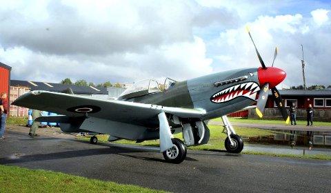 Haikjeft: Kjellerdagen søndag lokker med en Mustang «Sharkmouth» og flere veteranfly brukt før, under og etter 2. verdenskrig. foto: Lars P. Hallingstorp