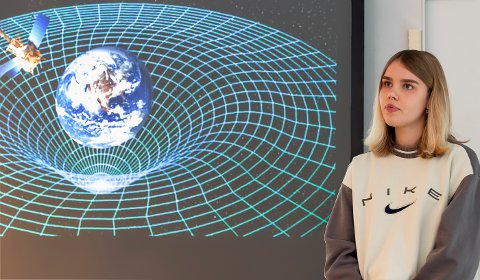 HOLDT FOREDRAG: En av oppgavene i konkurransen var  holde foredrag om noe man er interessert i. Isabelle Maria Damhaug valgte gravitasjonsbølger.