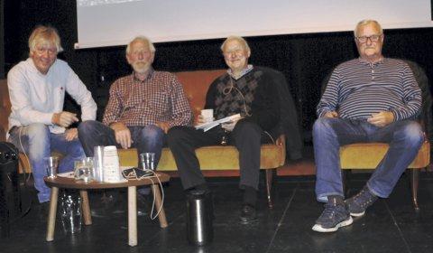 NESTORER: Rolf «Mulen» Karlsen (64) Harald «Mel» Melvold (75), Thor «Jesper» Kaspersen (82), Asbjørn «Asters» Lillelien (70) vet mye om Slemmestads lokale historie. Foto: Innsendt