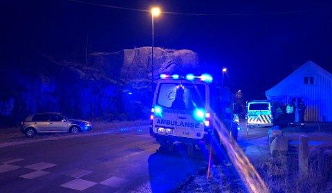 VESTERØYVEIEN: Tre personer var involvert i utforkjøringen, melder politiet.