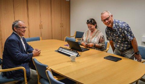 LØSNINGSGRUPPA: Formannskapets forhandlingsutvalg møttes første gang fredag 8. juni på rådhuset, f.v. Arild Theimann (Ap), Cathrine Andersen (Frp) og  Tor Steinar Mathiassen (H).