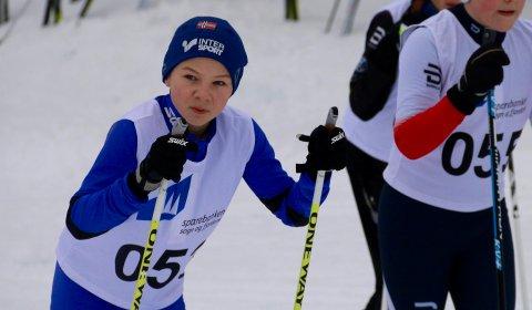 Små marginar:  Det er små marginar som gjeld i sprint, noko som førte til ein bittelitt overraskande gullmedalje for Vebjørn Orheim Mundal (12) frå Sogndal.