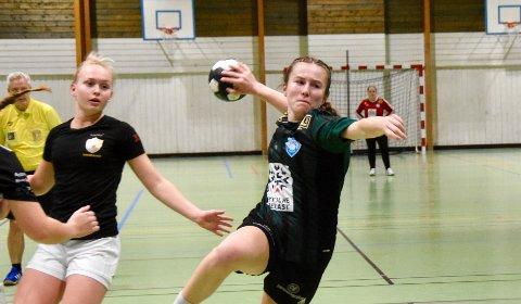 DRIVANDE: Emma Norland skårer mange mål i kvar kamp ho speler. Mot Nærbø blei ho toppskårar.