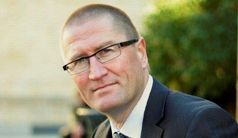 FØLGER MED: Geir Jørgen Bekkevold er en av Telemarks representanter på Stortinget. Han vil følge nøye med på utviklingen når det gjelder regjeringens håndtering av flykningsaken og utlendingsloven. Regjeringen har nettopp formulert en rekke endringer.