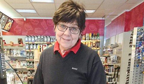 May Helen Kåsa Tørnes skal selge Esso på Bostrak. Hun har drevet stasjonen siden 1987 Foto: Privat