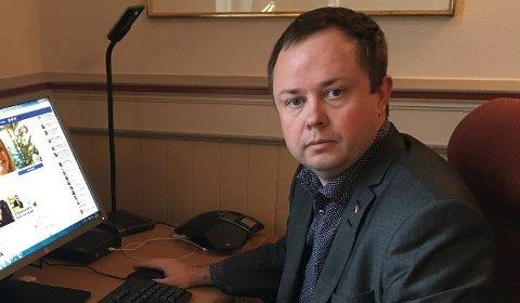 Ordfører i Porsgrunn, Robin Kåss forteller at barnehagene i kommunen oppjusterer til rødt nivå over nyttår.