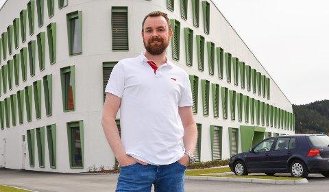 SALG: Daglig leder i Porsgrunn utvikling, Halvor Østerli, er godt fornøyd med salget.