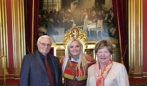 Høytidelig: Åslaug Sem-Jacobsen hadde med seg faren Svein og moren Astrid på trontalen - en spesiell opplevelse for dem begge. – Jeg følte ærefrykt for det jeg nå skal være en del av i fire år, sier Åslaug Sem-Jacobsen.