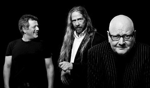 TIL SVANØY: Bjørn Jenssen (fra venstre), Øivind Elgenes, Frode Alnæs og resten av Dance With A Stranger kjem til kulturlåven på Svanøy 20. juli neste år.