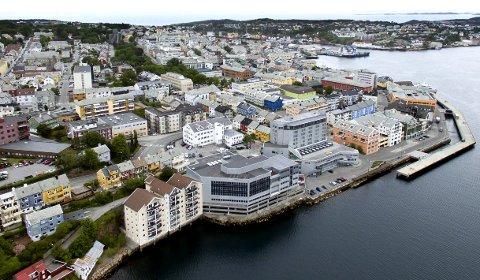 SKAL BLI DIGITAL: Det rulles ut tusenvis av sensorer i Kristiansund, som skal gjøre tjenester og kontakt med kommunen nærmere. FOTO: Kristoffer Antonsen, Kvass