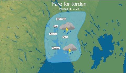 DUNDER OG BRAK: Dette kartet viser hvor det er størst fare for tordenvær mandag kveld.