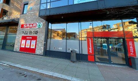 FRITT FRAM: Spar-butikken på Kaldnes har ikke satt et maksantall for sine kunder, samtidig som de kjører billigkampanje.