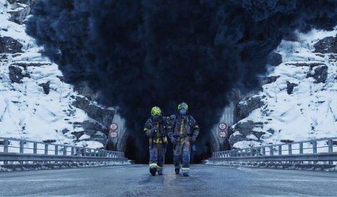 SPENNING: Lars Erik Thoralfsson fra Hagan i Nittedal jobber i kulissene i den nye store norske filmen Tunnelen. Filmen har premiere 1. juledag.