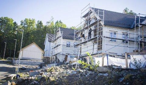 Utbygging: Deler av området Store Brevik Nord i Son er allerede under utbygging. Nå ønsker grunneier Block Watne å endre reguleringen fro de gjenstående feltene slik det kan bygges flere boliger enn først planlagt. foto: Åsmund A. Løvdal