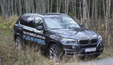 LADBAR: BMW X5 leveres nå som plug-in hybrid.