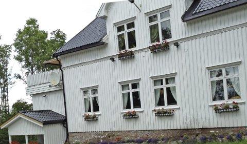 Grendehuset på Liahøi Fikk regning på eiendomsskatt: - Det har aldri vært vår intensjon at grendehus skulle måtte betale eiendomsskat, sier ordfører Ola Nordal. Foto: Privat