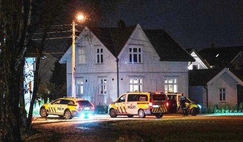 POLITIAKSJON: Politiet jaktet i natt på en mann i Fredrikstad som var bevæpnet med hagle.