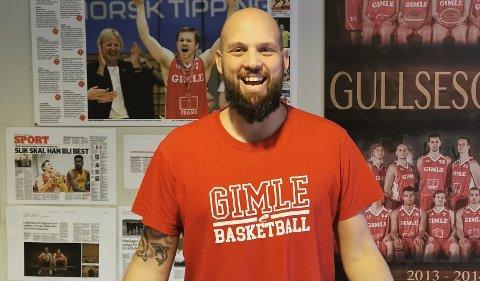 Dagleg leiar i Gimle Basket, Frederik Gnatt, er veldig glad for å opne ei eiga basketball-avdeling i Alver.