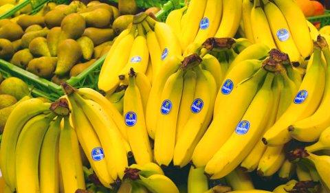Bananer i lange bananer: Er bananer frukt, grønnsaker - eller noe helt annet?